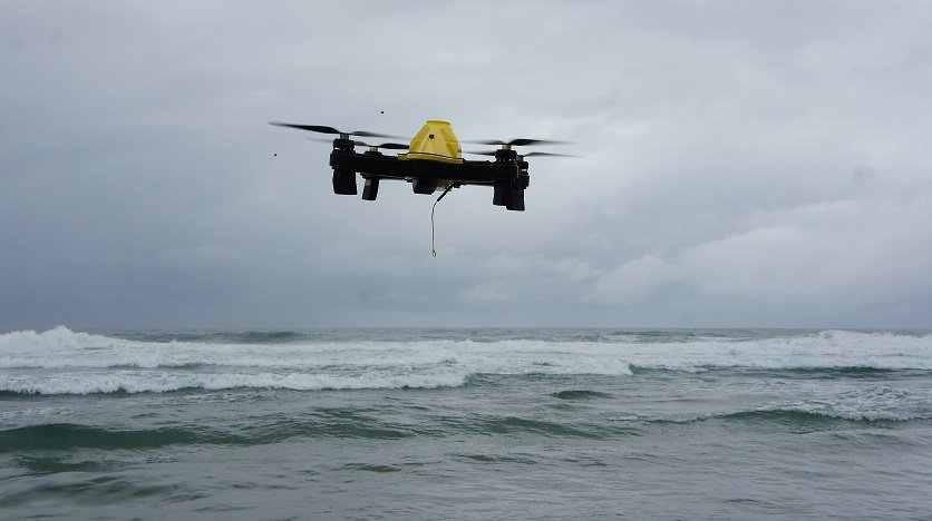 Cuta-Copter EX-1 Fishing drone flying over the sea